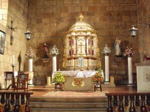 altar_de_la_iglesia_parroquial_de_santa_lucia-_guane-_colombia