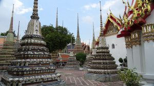 stupas-at-wat-po-1183174_1280