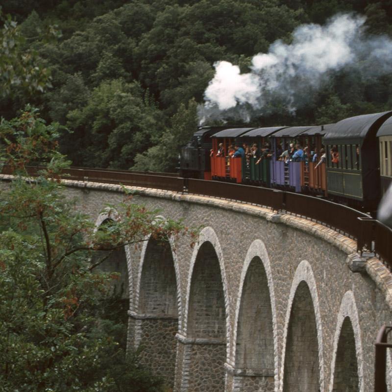 train_a_vapeur_cevennes_voyage_autocar_marseille